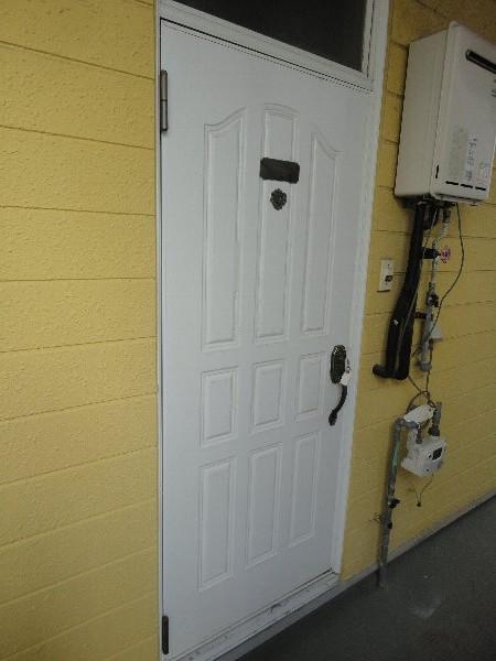 エクセルK 202号室の玄関