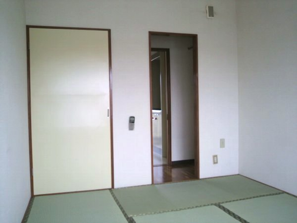 カレッジ平成 204号室のリビング