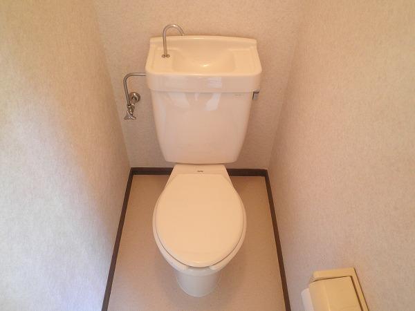 ベアコーポB 201号室のトイレ