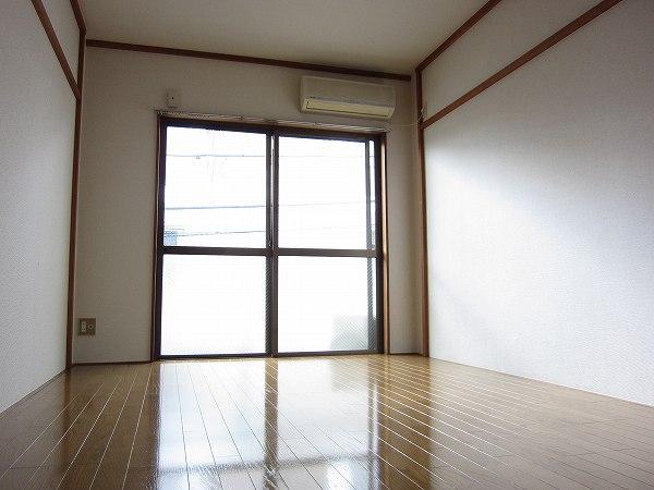 アメニティ ヒロ 2-A号室のリビング