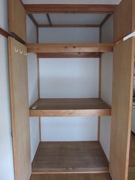 アメニティ ヒロ 2-A号室の収納