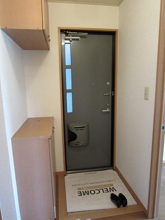 セジュール是政 103号室の玄関