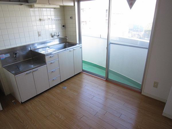 チェリーブラッサム 601号室のキッチン