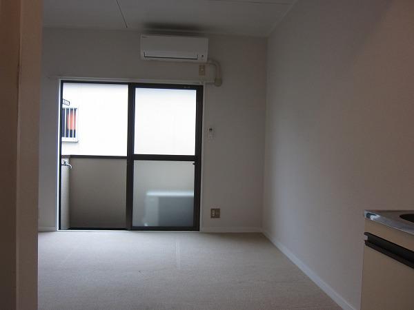 調布ハイムピア 205号室の居室