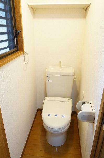 プリエ武蔵野 205号室のトイレ