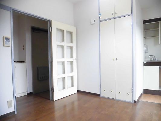 プロミネンスNENOYA 304号室のリビング