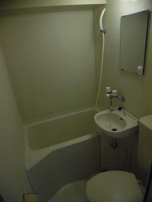 プロミネンスNENOYA 304号室の洗面所