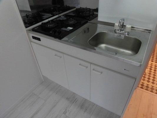 サイドパーク白糸台 104号室のキッチン