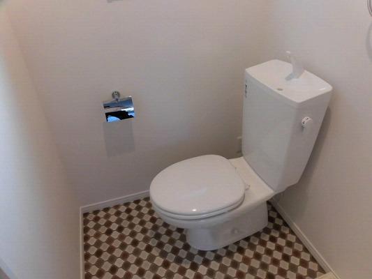サイドパーク白糸台 104号室のトイレ