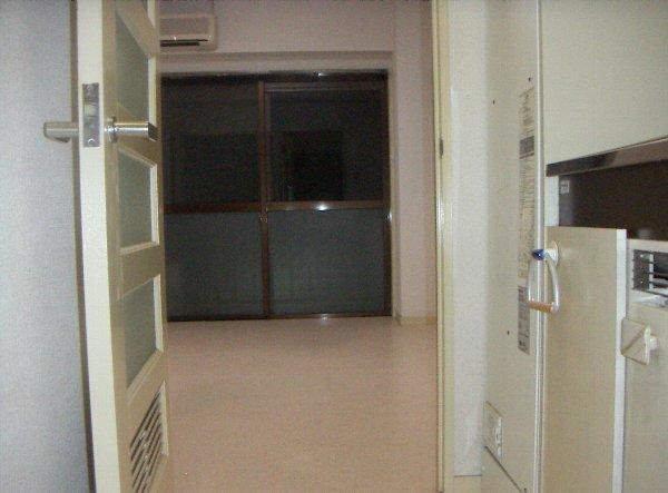 メゾン塚本 404号室のバルコニー