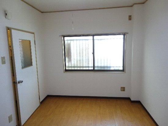 アビリティー桂 302号室のリビング