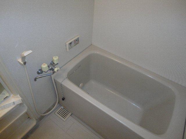 クラヴァス長岡京 101号室の風呂