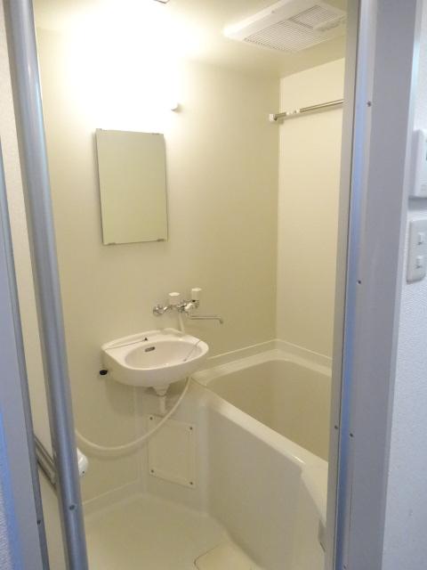 レジデンス94 405号室の洗面所