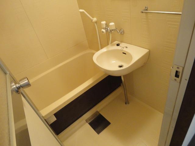 エスクワイヤーヴィヴィナリーⅠ 35号室の風呂