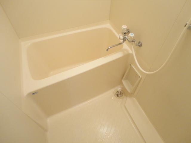 クレセール大和 101号室の風呂