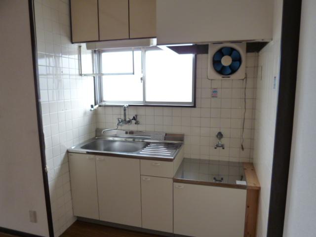 鎌田マンション 304号室のキッチン