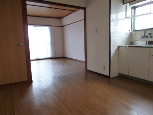 鎌田マンション 304号室のリビング