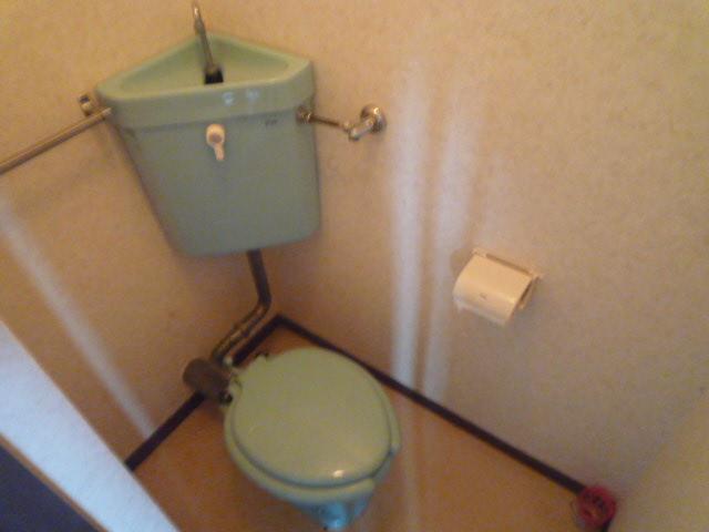 鎌田マンション 404号室のトイレ