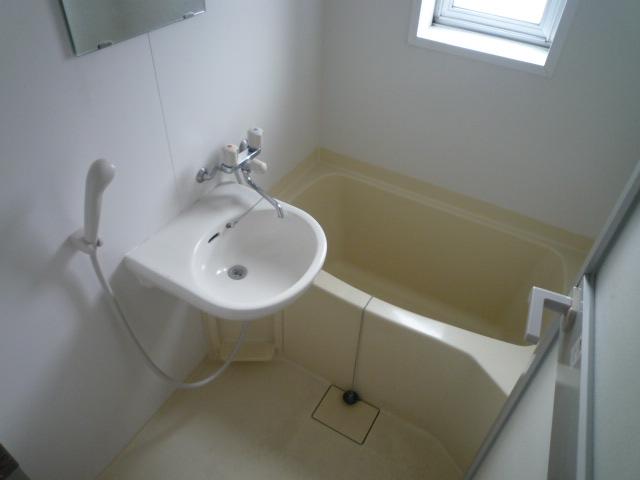 鎌田マンション 404号室の風呂