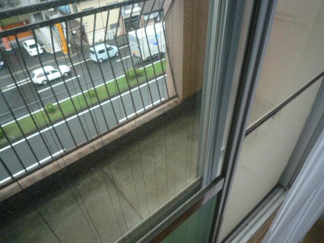 鎌田マンション 404号室のバルコニー