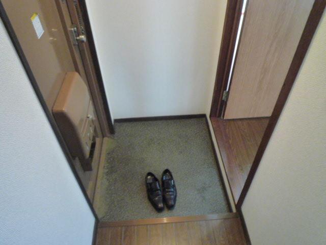 鎌田マンション 404号室の玄関
