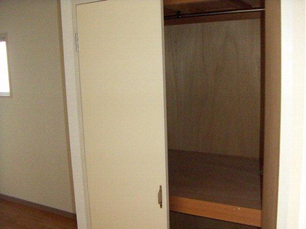アルモンハイツ 303号室の収納