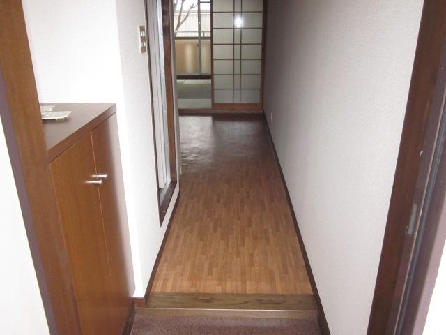 シティコザワ 205号室の玄関