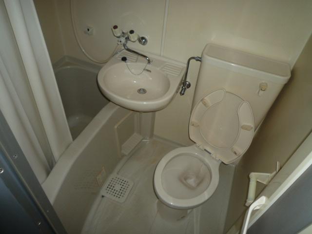 マンション日吉多加木 1C号室の風呂