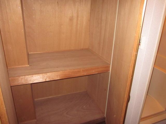 レジデンス大津 405号室の収納