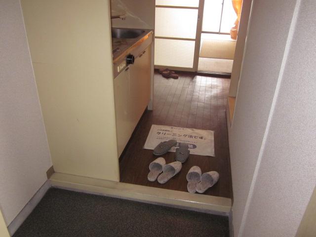 レジデンス大津 405号室の玄関