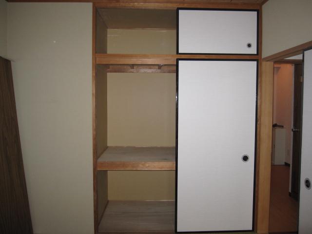 アルボレダ武蔵浦和Ⅰ 301号室の収納