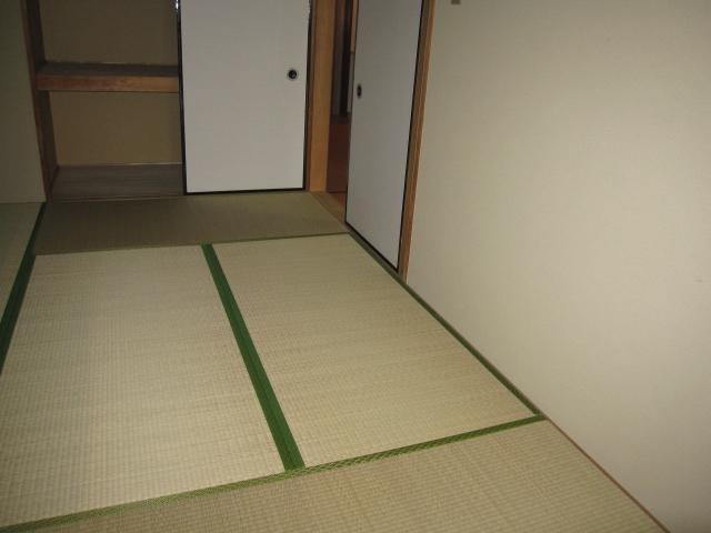 アルボレダ武蔵浦和Ⅰ 301号室のリビング