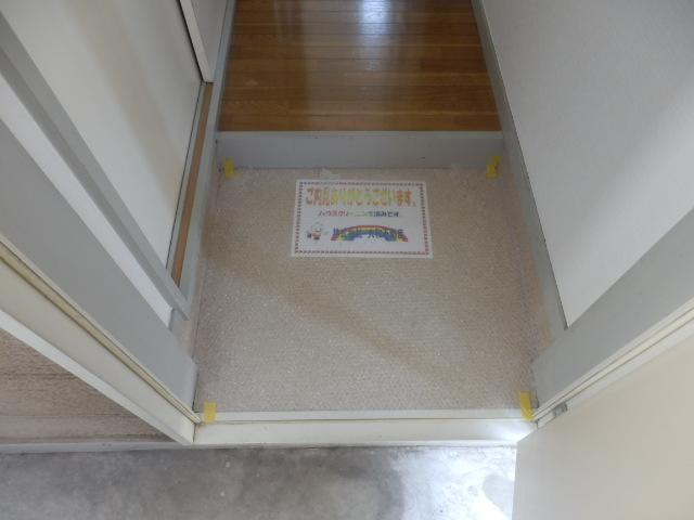 ラ メゾン ド ケイ 201号室の玄関