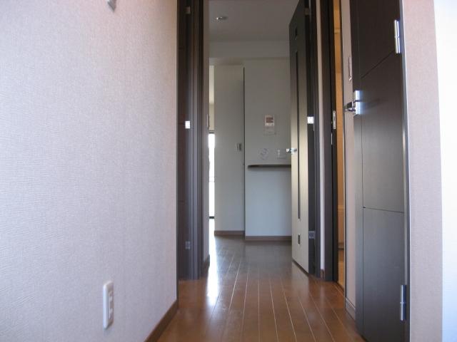 ルミナール 701号室の玄関