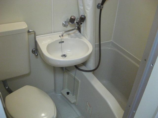 エクセルコート 105号室の洗面所