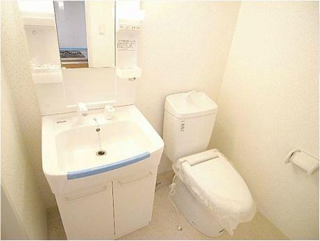 FRENTE高砂小浦和 106号室のトイレ