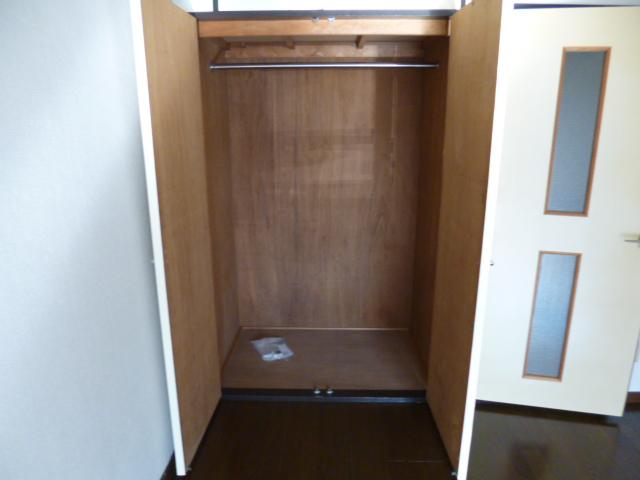 武蔵浦和ハイツ 107号室の収納