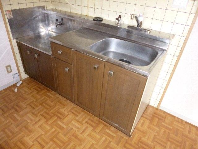 サンシティーセジュール 103号室のキッチン
