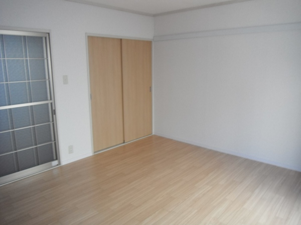ヴィラ青山Ⅱ 101号室の居室