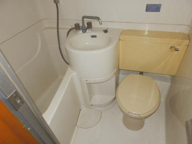 コーポラスユタカ 102号室の風呂