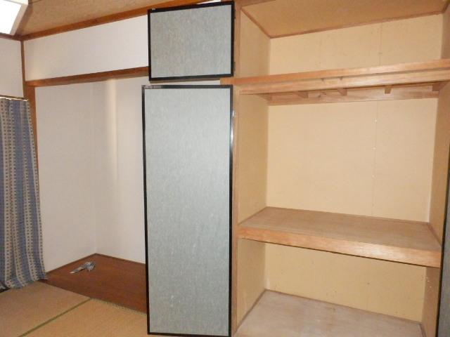 コーポラスユタカ 102号室の収納