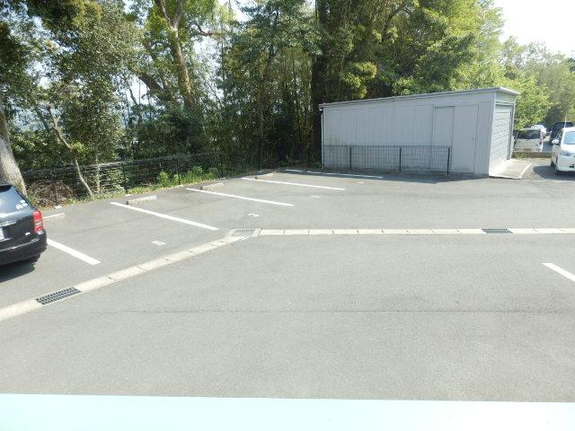スタットアンクム B 103号室の駐車場