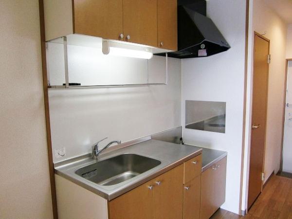 サンプレミア前芝西 207号室のキッチン