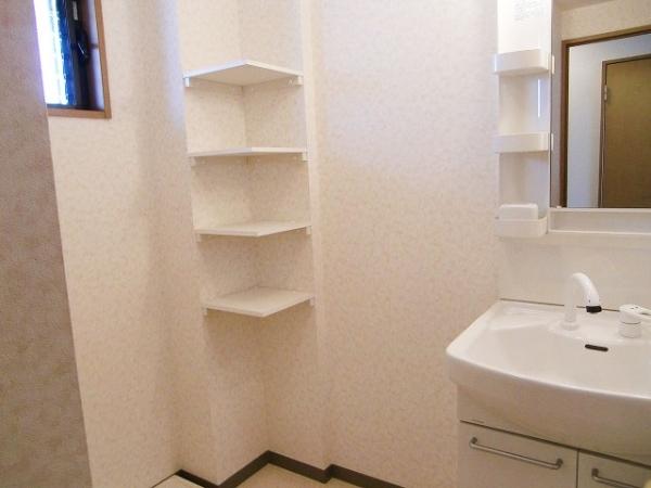 サンプレミア前芝西 207号室の洗面所