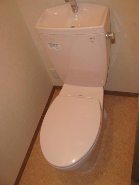 プリエール 202号室のトイレ