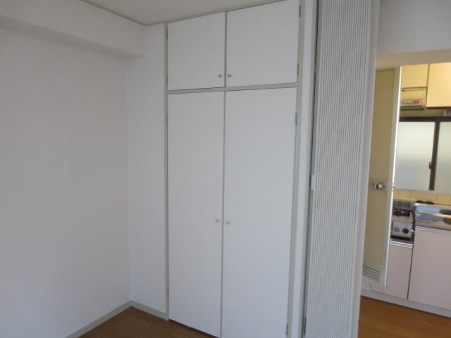 シャトレ尾山台 203号室の収納