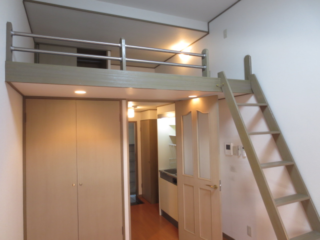 上野毛QSハイム 103号室のリビング