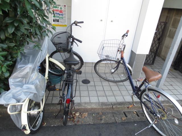上野毛QSハイム 103号室の駐車場