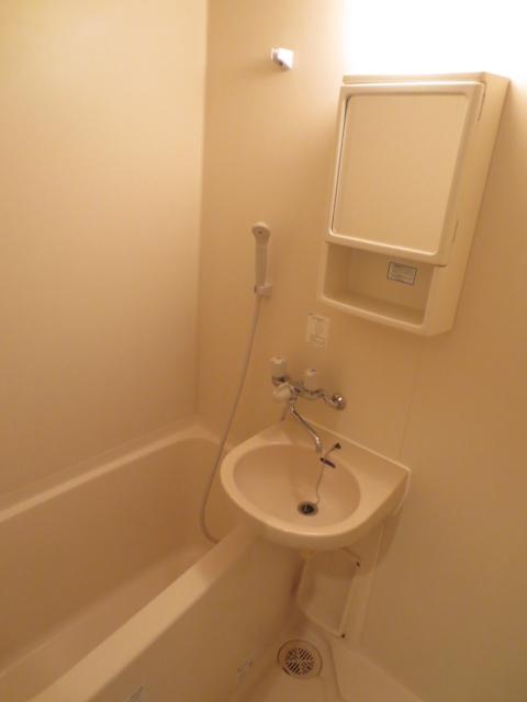 アパルトマン緑が丘 102号室の風呂