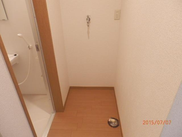 チェリーメゾン自由が丘 203号室の玄関